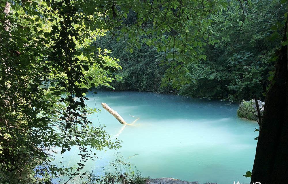 Elsa viva: il torrente azzurro in cui fare il bagno d'estate