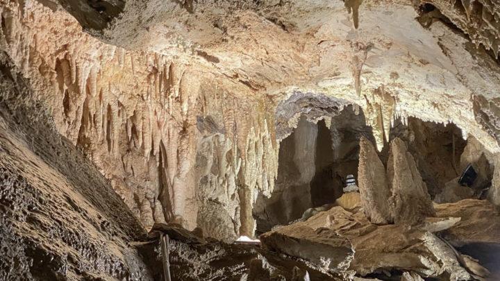 Grotta Antro del Corchia: nel cuore delle Alpi Apuane